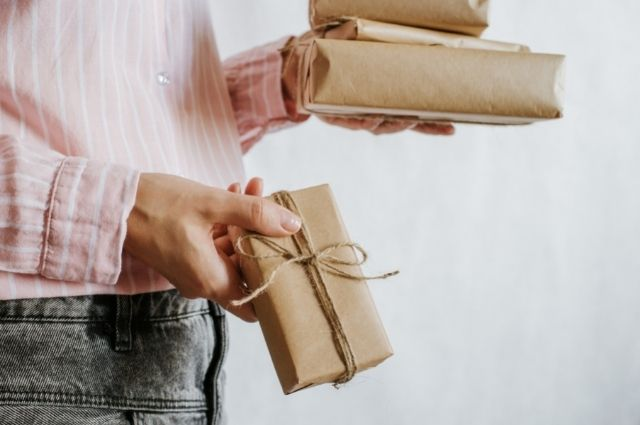 How Giving Gifts Has Benefits for You